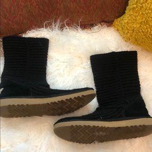 UGG crochet knit boots S/N 5857